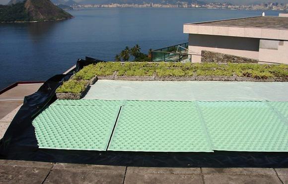 Os telhados verdes podem ser impantados na construção em até dois dias