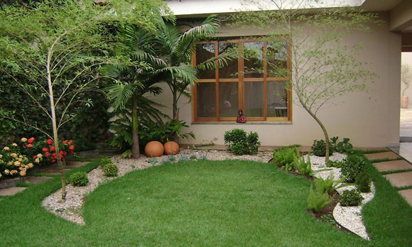 Dicas para ter um gramado verde durante o ano inteiro  ZAP em Casa