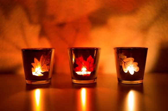 Velas espalhadas pela casa durante o outono dão a sensação de uma casa aconchegante (Fotos: Thinkstock)