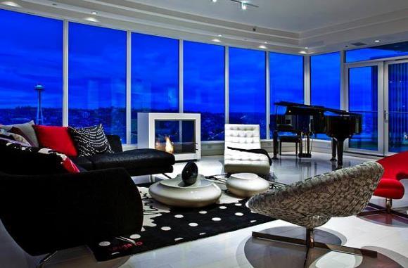 """Apartamento que serviu de inspiração para """"Cinquenta Tons de Cinza"""" tem piano na sala de estar (Fotos: Escala)"""