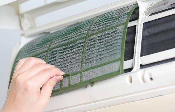 A limpeza do ar-condicionado é necessária para evitar problemas de saúde