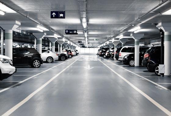 Não se esqueça de observar as condições da garagem: acessos, condições de manobra, problemas com umidade, infiltração, ventilação