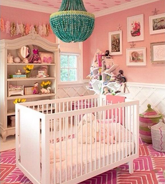 Conheça a decoração do quarto de bebês famosos