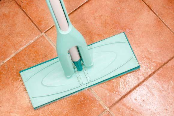 Saiba como limpar pisos - Como limpiar el azulejo del piso ...