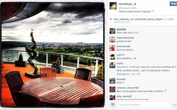 O zagueiro David Luiz, também morador de Londres, tem um belo espaço na varanda de seu apartamento