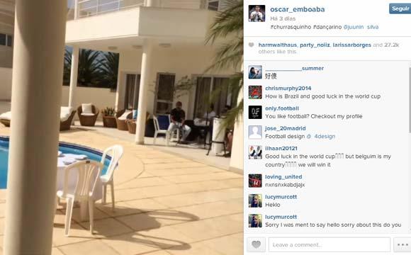 Oscar, jogador do Chelsea, tem uma bela área de lazer em sua casa do Brasil
