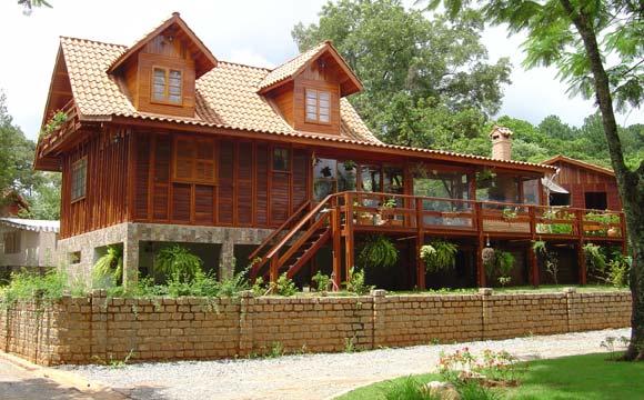 Casa de madeira pode ser projetada em qualquer tamanho (Fotos: Divulgação)