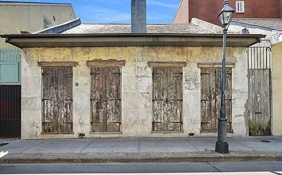 Por não parecer, mas esta casa tem dois andares (Fotos: Reprodução/Curbed)