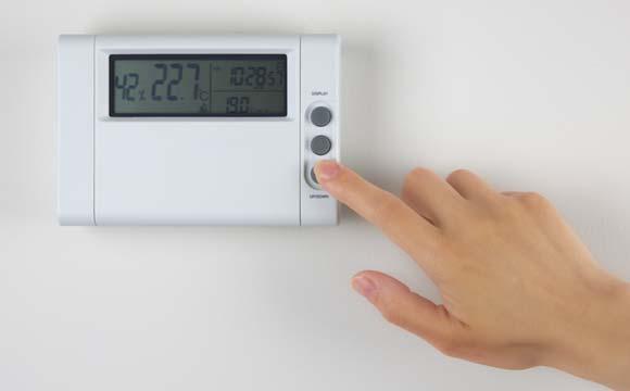 Regulagem da temperatura é feita através de um termostato (Foto: Shutterstock)