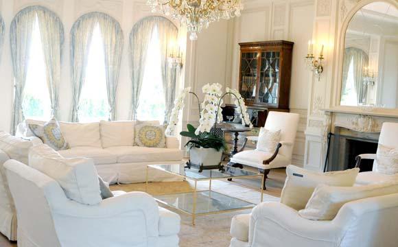 Sala De Estar Toda Branca ~ Sala de estar é toda decorada com a cor branca