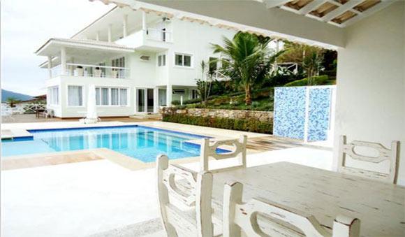 Uma das mansões do Condomínio Porto Caieiras (Foto: Porto Bracuhy Imóveis)