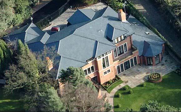 Foto aérea da mansão do craque