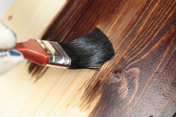A madeira merece um tratamento especial com a tinta