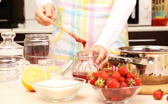 A vida na cozinha pode ser muito mais fácil com objetos práticos (Foto: Shutterstock)