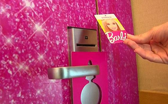 Programe suas férias na casa real da Barbie e viva um