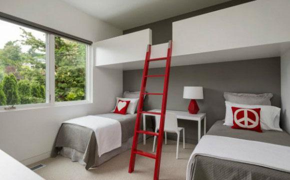 Há também a opção de fazer a cama suspensa no quarto