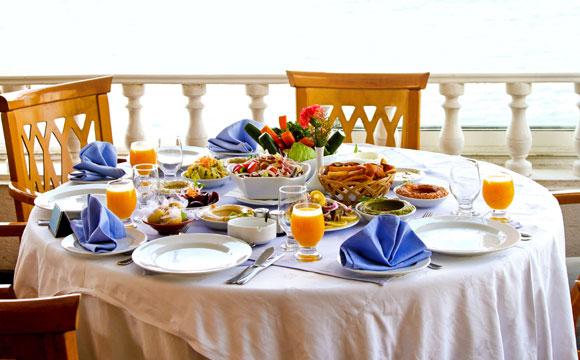 Café da manhã é uma das refeições mais importantes e a mesa pode ficar ainda mais legal