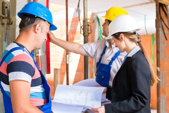 Engenheiro avalia reforma de casa