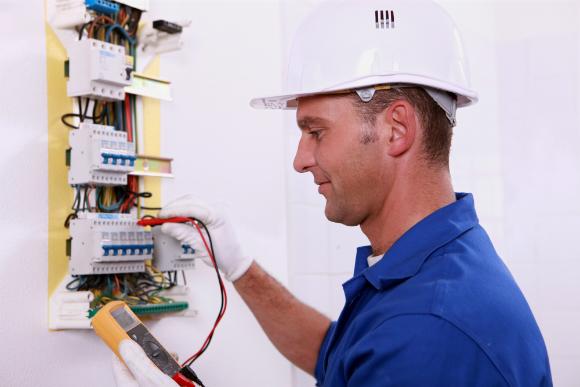 Verifique se está tudo correto com a parte elétrica da sua casa