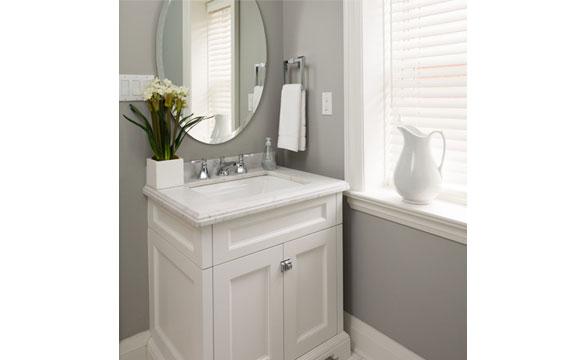 Gabinete dá charme ao banheiro e serve para armazenar produtos e objetos do morador