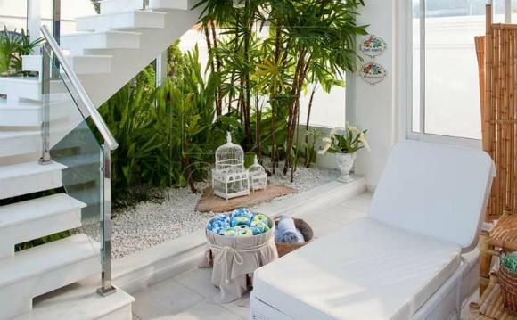 jardim no vão da escada