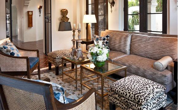 decoracao sala zebra : decoracao sala zebra: ganhar destaque em uma peça da sala de estar, como pufes e aparadores