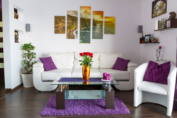 Decora o de sala pequena veja truques for Cuadros para decorar salas pequenas