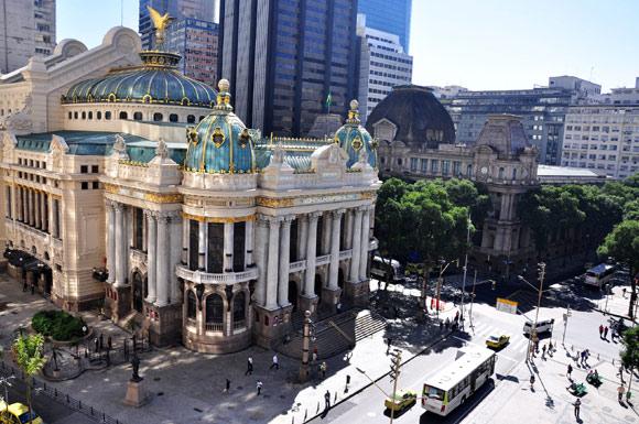 A bela arquitetura do Teatro Municipal, no Centro do Rio, bem preservada (Foto: Divulgação/ Riotur)