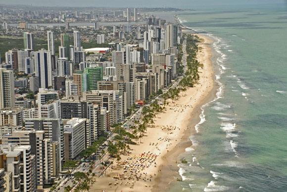 Orla da praia, vista a aérea do bairro de Boa Viagem (Foto: Carlos Oliveira/ Prefeitura Recife Divulgação)