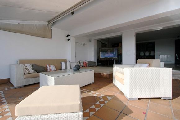 Projeto com uso de TV giratória (Foto: Site Habitissimo)