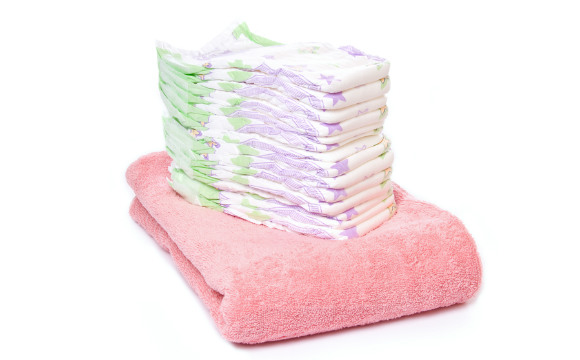 Fraldas descartáveis para absorver líquido do chão (Foto: Shutterstock)
