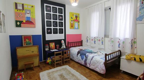Cômodo vazio foi transformado em quarto de brinquedos (Foto: Revista do ZAP)