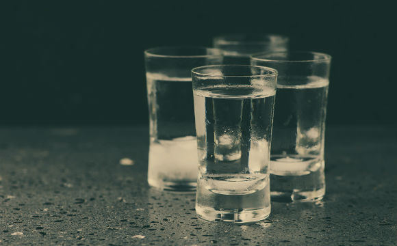 A vodka é mais do que uma bebida para fazer drinks (Foto: Shutterstock)