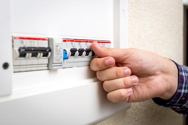 Disjuntores são muito mais seguros (Foto: Shutterstock)