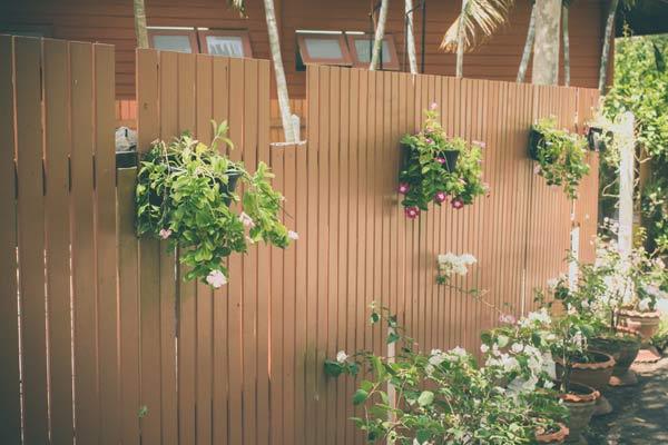 fazer jardim vertical garrafa pet:Como Fazer Um Jardim Vertical Com Garrafas Pet Pictures to pin on