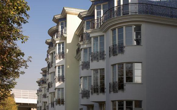 Faça um contrato direto com a imobiliária para ter mais garantas (Foto: Shutterstock)