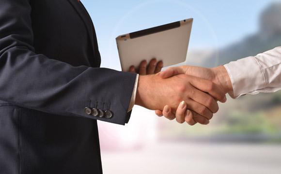 Internet fornece prova documental da negociação e de seus termos (Foto: Shutterstock)