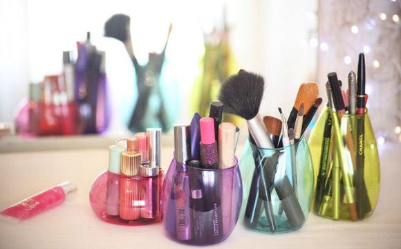 organizar_maquiagem_garrafa