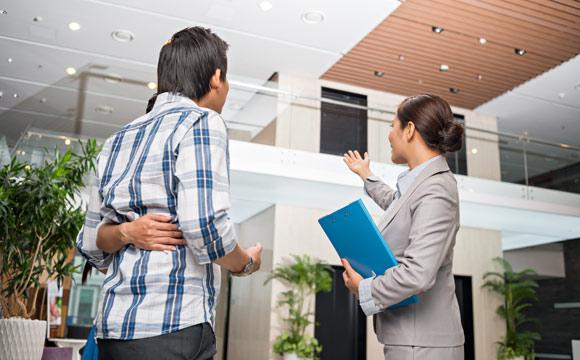 Fazer a vistoria do imóvel antes de fechar contrato é importante (Foto: Shutterstock)
