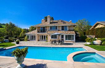 preço mais acessível torna o sonho da piscina em casa uma realidade