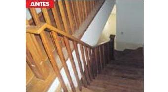 escada madeira escura