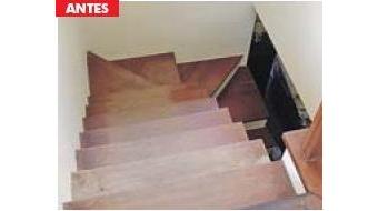 escada madeira desgastada